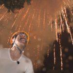 真下から見る打ち上げ花火は言葉を失うほど綺麗でした。